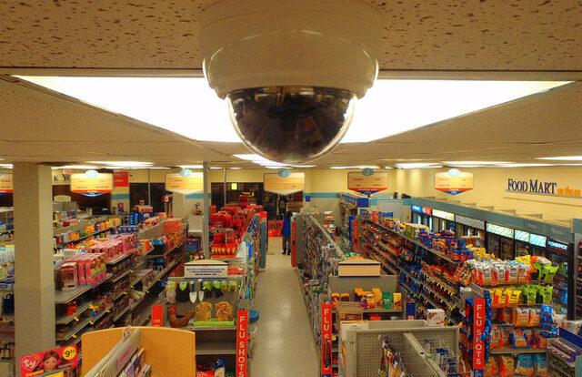 Видеонаблюдение в магазине: контроль пустых полок