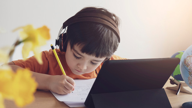 Видеонаблюдение в детском саду: За и Против