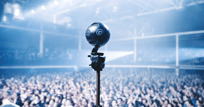 Panoramic cameras. 6 advantages and 4 disadvantages.