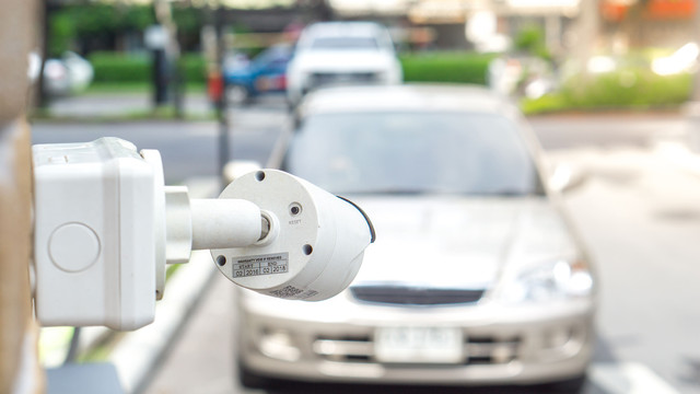 Honest review of video surveillance cameras for a car in the yard